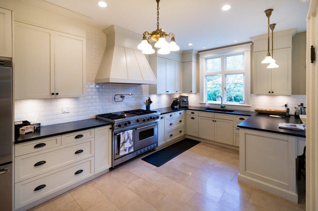"""Photo 5: Photos: 329 SECOND ST in New Westminster: Queens Park House for sale in """"QUEENS PARK"""" : MLS®# V1039472"""