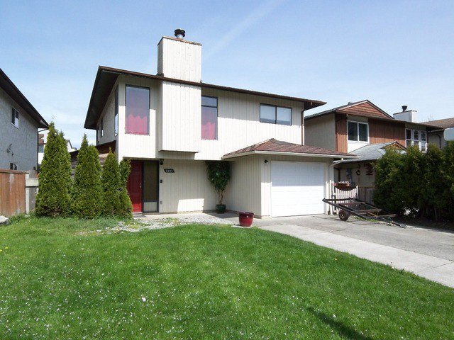 """Main Photo: 2231 WILLOUGHBY Way in Langley: Willoughby Heights House for sale in """"Langley Meadows"""" : MLS®# F1410511"""