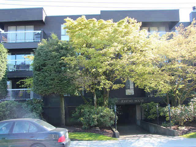 "Main Photo: 306 3680 W 7TH Avenue in Vancouver: Kitsilano Condo for sale in ""JERICHO HOUSE"" (Vancouver West)  : MLS®# V1117476"