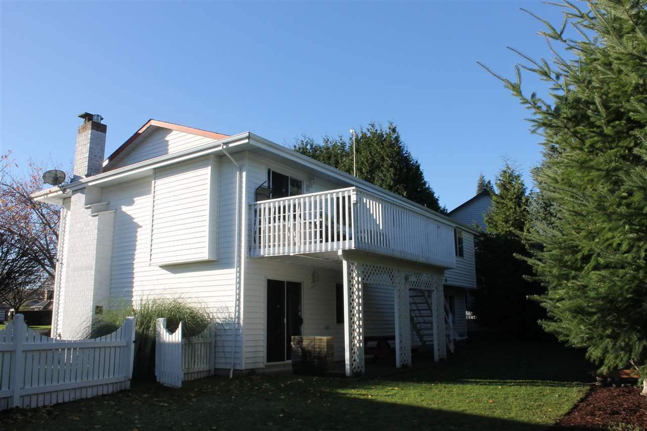 Photo 15: Photos: 1938 154A Street in Surrey: King George Corridor House for sale (South Surrey White Rock)  : MLS®# R2015886