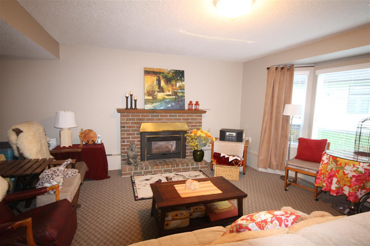 Photo 13: Photos: 1938 154A Street in Surrey: King George Corridor House for sale (South Surrey White Rock)  : MLS®# R2015886