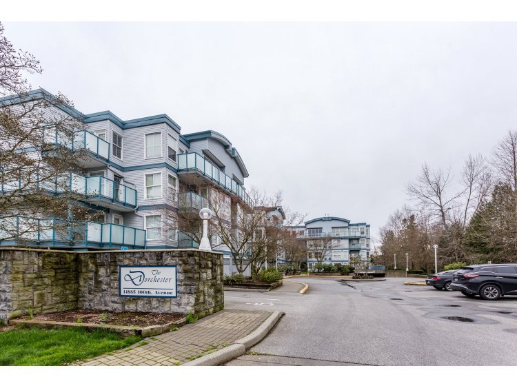 "Main Photo: 311 14885 100 Avenue in Surrey: Guildford Condo for sale in ""THE DORCHESTER"" (North Surrey)  : MLS®# R2042537"