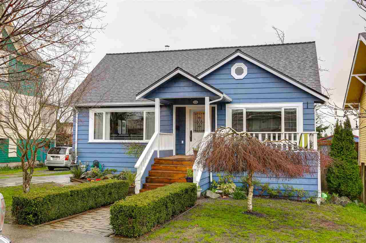 Main Photo: 1026 SEVENTH Avenue in New Westminster: Moody Park House for sale : MLS®# R2043656