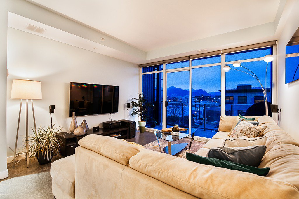 """Main Photo: 414 256 E 2ND Avenue in Vancouver: Mount Pleasant VE Condo for sale in """"JACOBSEN"""" (Vancouver East)  : MLS®# R2132055"""