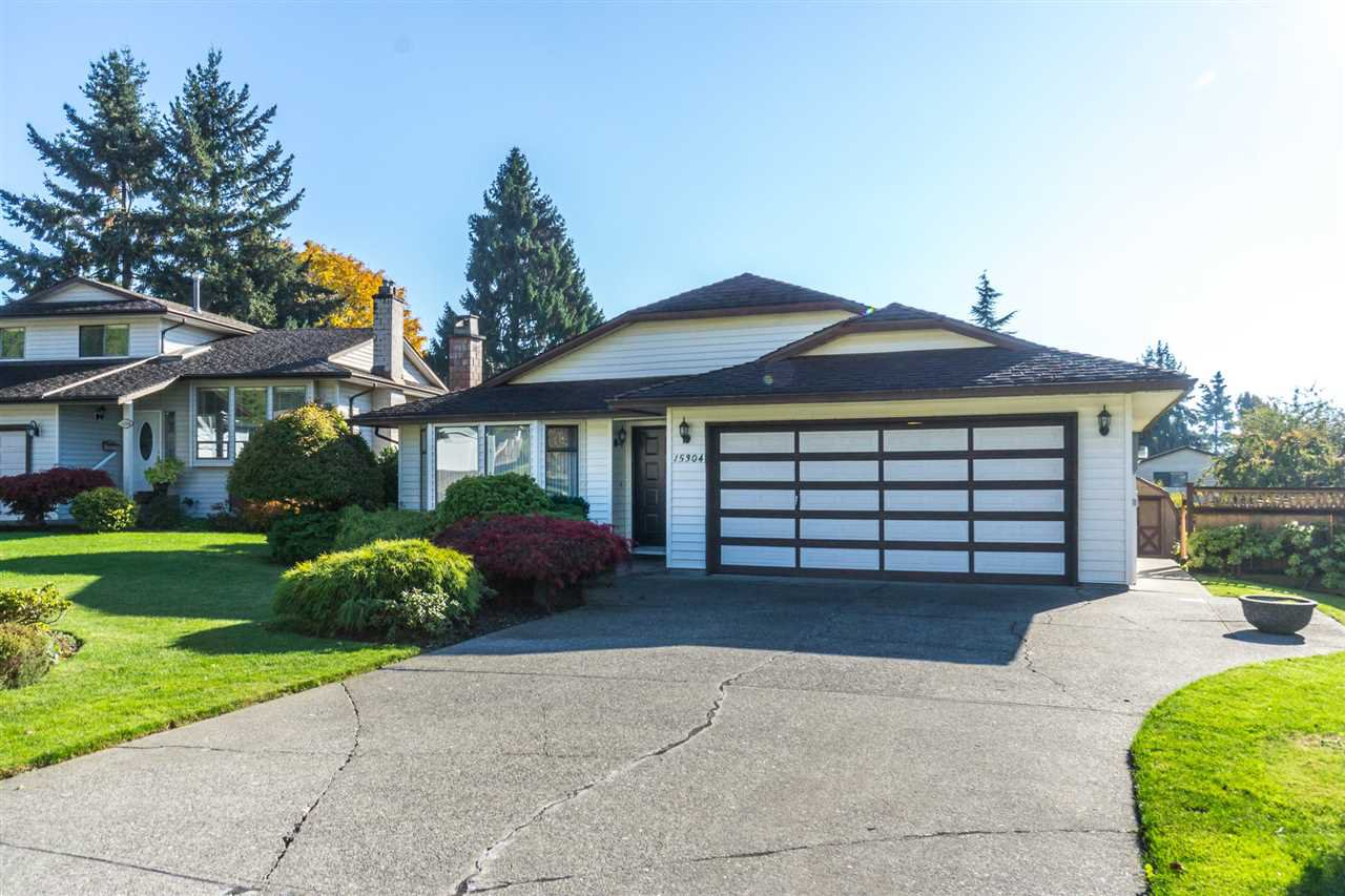 "Main Photo: 15304 85A Avenue in Surrey: Fleetwood Tynehead House for sale in ""Fleetwood"" : MLS®# R2217891"