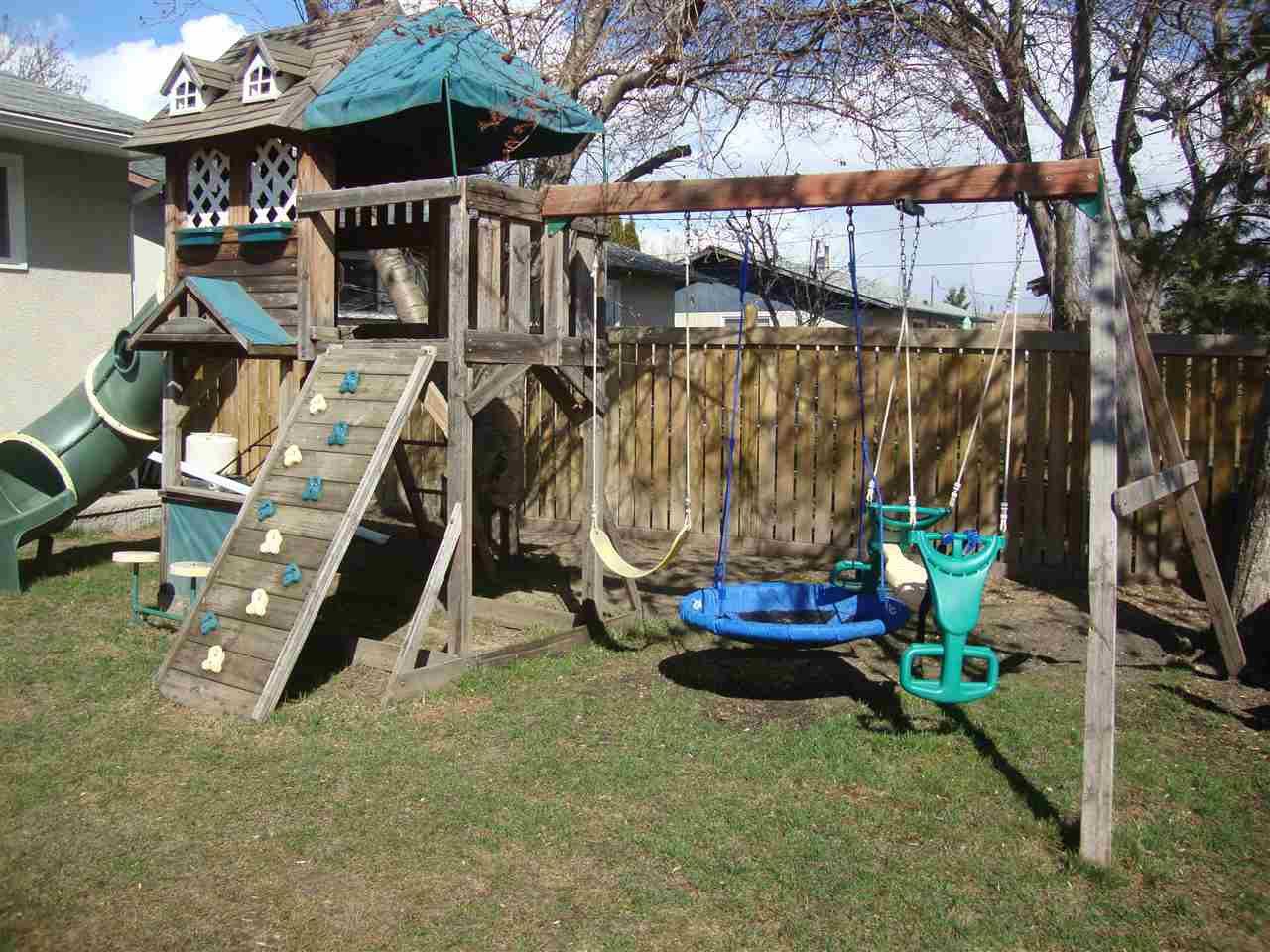 Photo 5: Photos: 4711 51A Avenue: Bon Accord House for sale : MLS®# E4149195