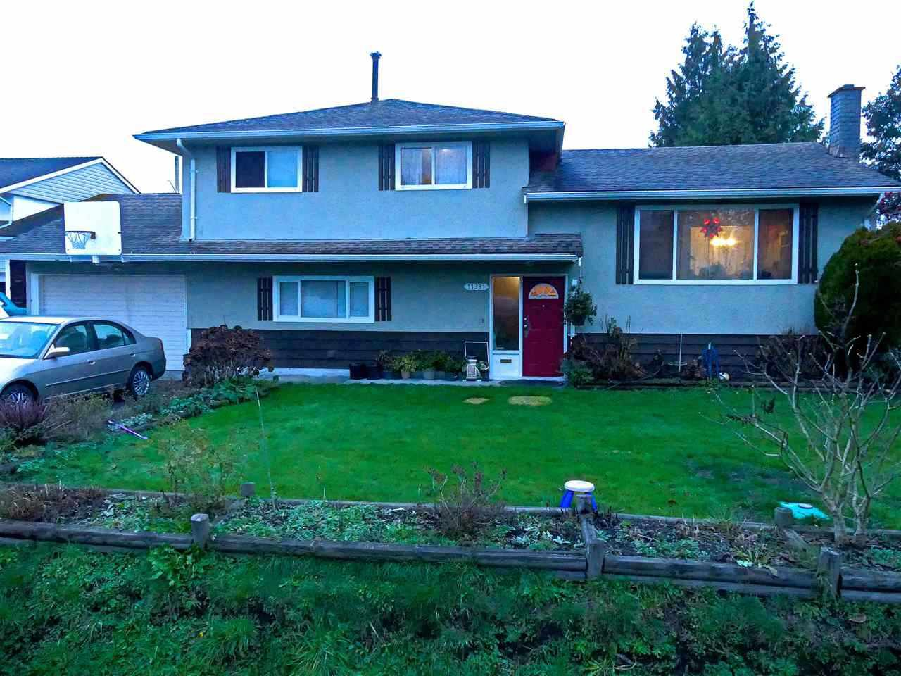 """Main Photo: 11331 SEAFIELD Crescent in Richmond: Ironwood House for sale in """"Ironwood"""" : MLS®# R2352963"""