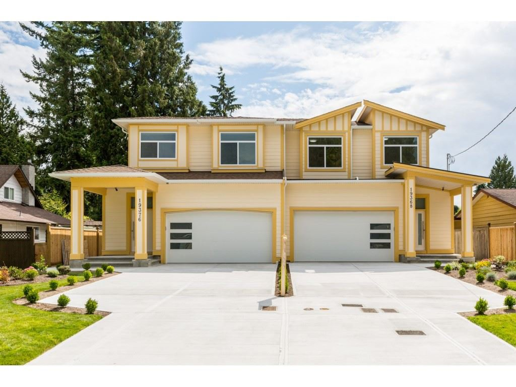 Main Photo: 19368 120 B Avenue in Pitt Meadows: Central Meadows House 1/2 Duplex for sale : MLS®# R2386650
