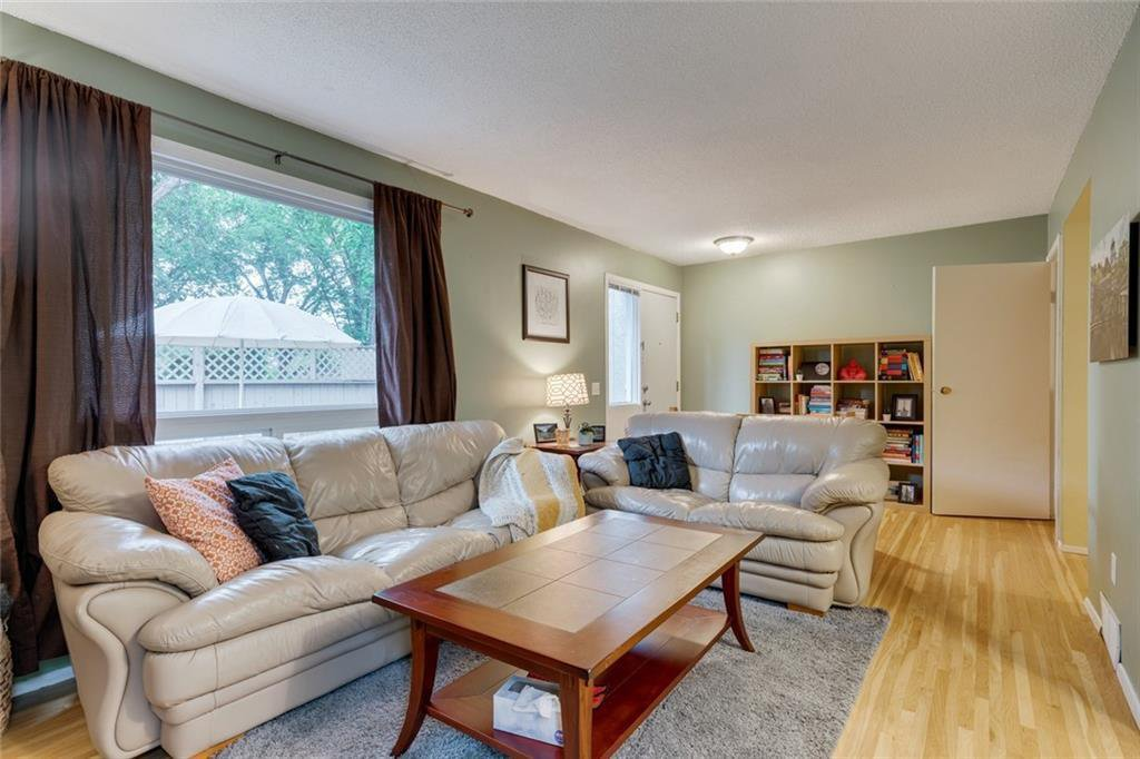 Main Photo: 58 11407 BRANIFF Road SW in Calgary: Braeside Row/Townhouse for sale : MLS®# C4271135
