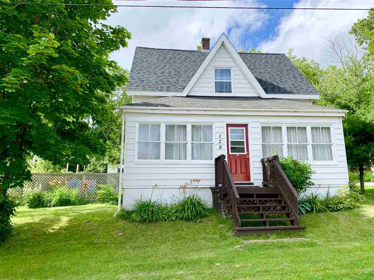 Main Photo: 128 High Street in Pictou: 107-Trenton,Westville,Pictou Residential for sale (Northern Region)  : MLS®# 202012904