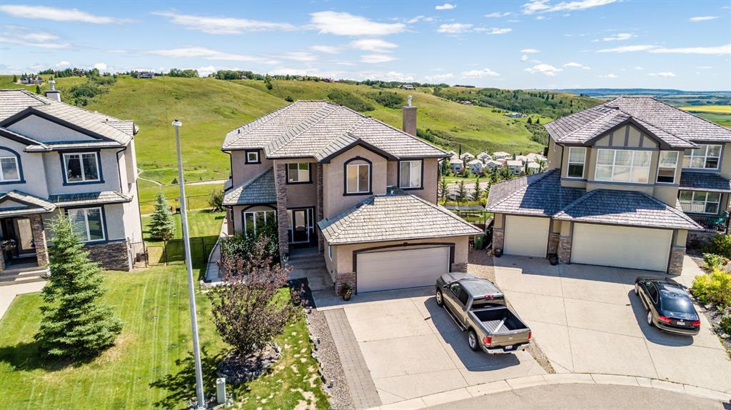 Main Photo: 204 Gleneagles Estates Lane: Cochrane Detached for sale : MLS®# A1016982