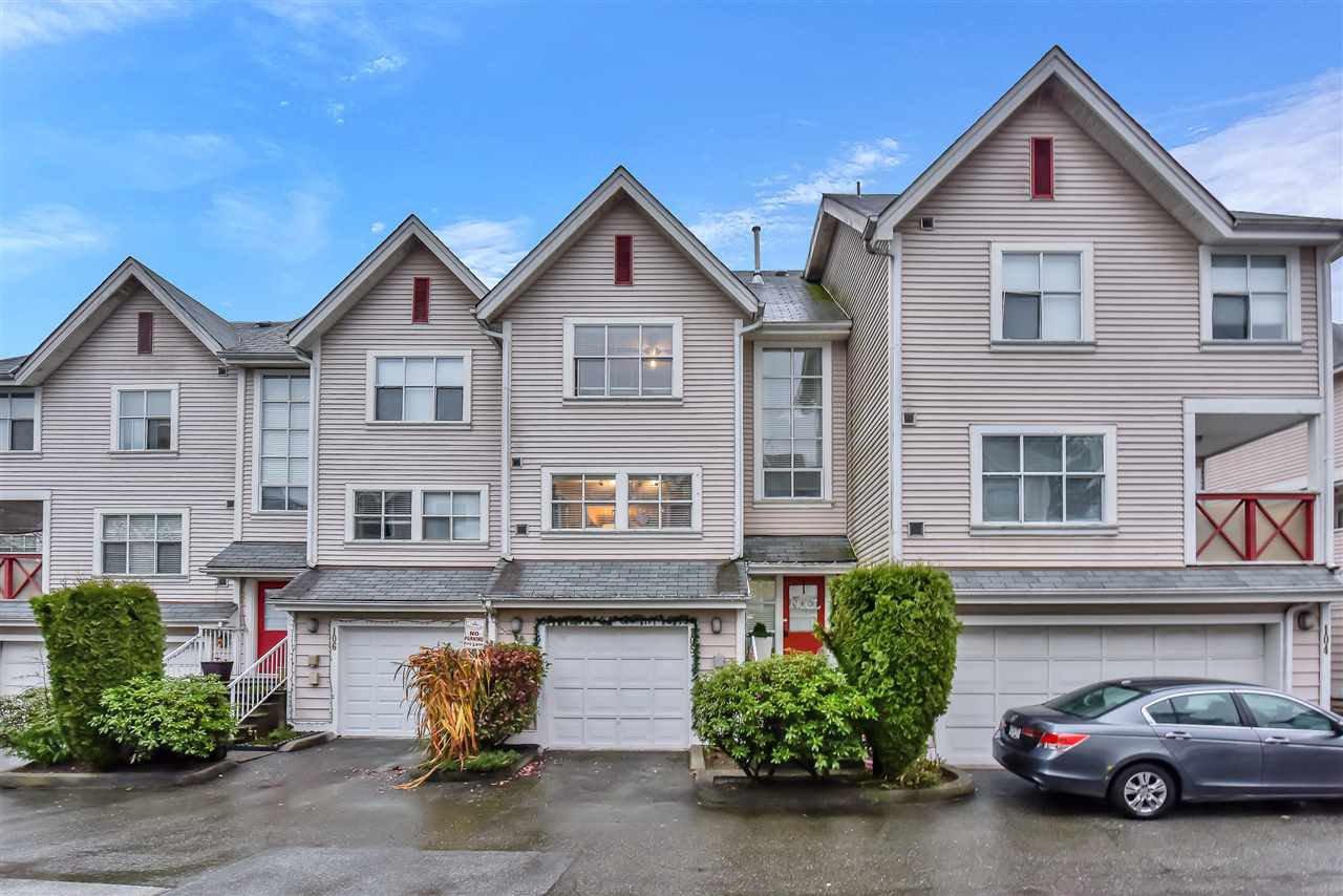 Main Photo: 105 2450 HAWTHORNE Avenue in Port Coquitlam: Central Pt Coquitlam Townhouse for sale : MLS®# R2525507