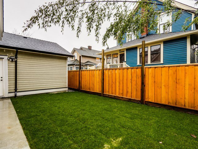 """Photo 20: Photos: 334 PINE Street in New Westminster: Queens Park House for sale in """"Queens Park"""" : MLS®# R2027850"""