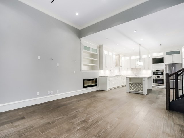 """Photo 8: Photos: 334 PINE Street in New Westminster: Queens Park House for sale in """"Queens Park"""" : MLS®# R2027850"""