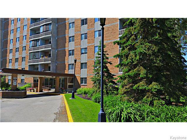 Main Photo: 230 Roslyn Road in WINNIPEG: River Heights / Tuxedo / Linden Woods Condominium for sale (South Winnipeg)  : MLS®# 1603162