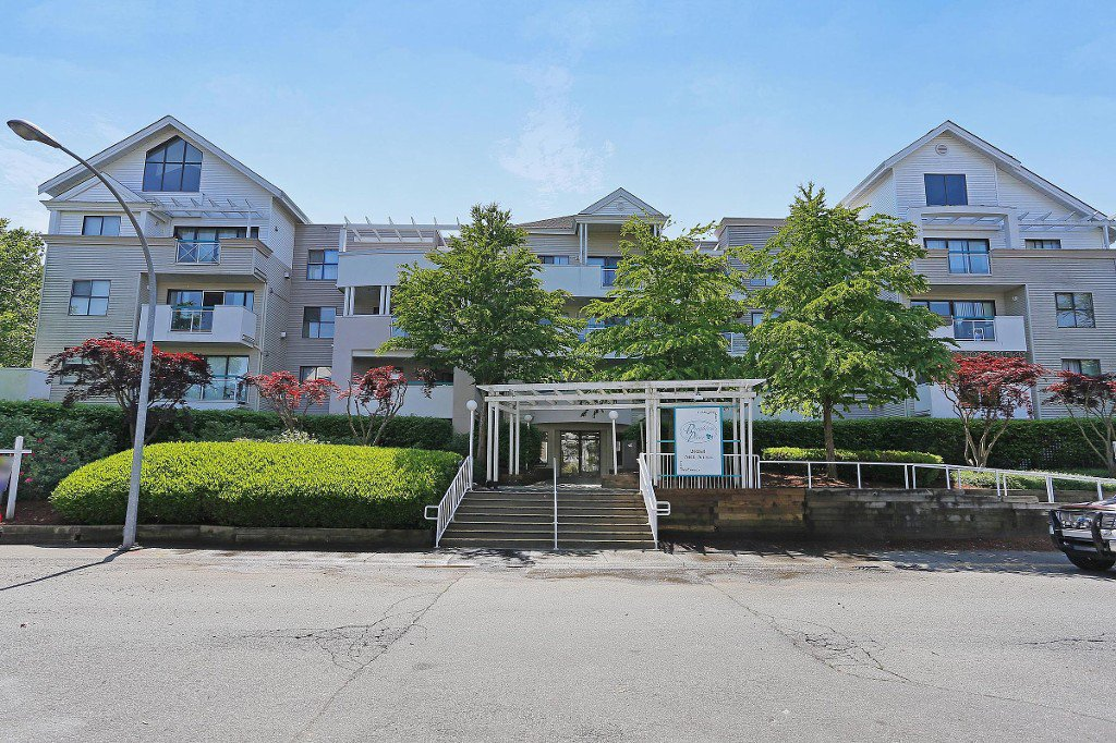 """Main Photo: 101 20268 54 Avenue in Langley: Langley City Condo for sale in """"BRIGHTON PLACE"""" : MLS®# R2147886"""