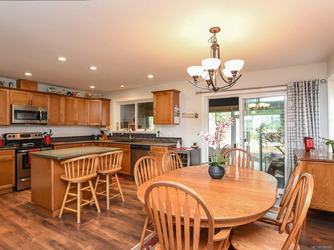 Photo 6: Photos: 1127 Cordero Cres in CAMPBELL RIVER: CR Willow Point House for sale (Campbell River)  : MLS®# 766196