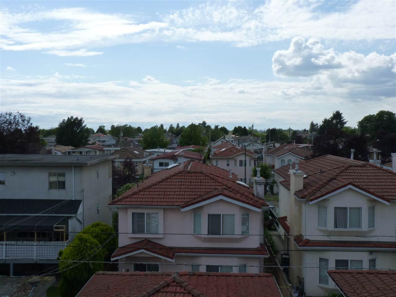 Main Photo: 310 1958 E 47TH AVENUE in Vancouver: Killarney VE Condo for sale (Vancouver East)  : MLS®# R2078683
