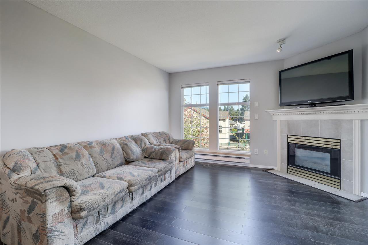 "Photo 10: Photos: 309 1655 GRANT Avenue in Port Coquitlam: Glenwood PQ Condo for sale in ""The Benton"" : MLS®# R2209084"