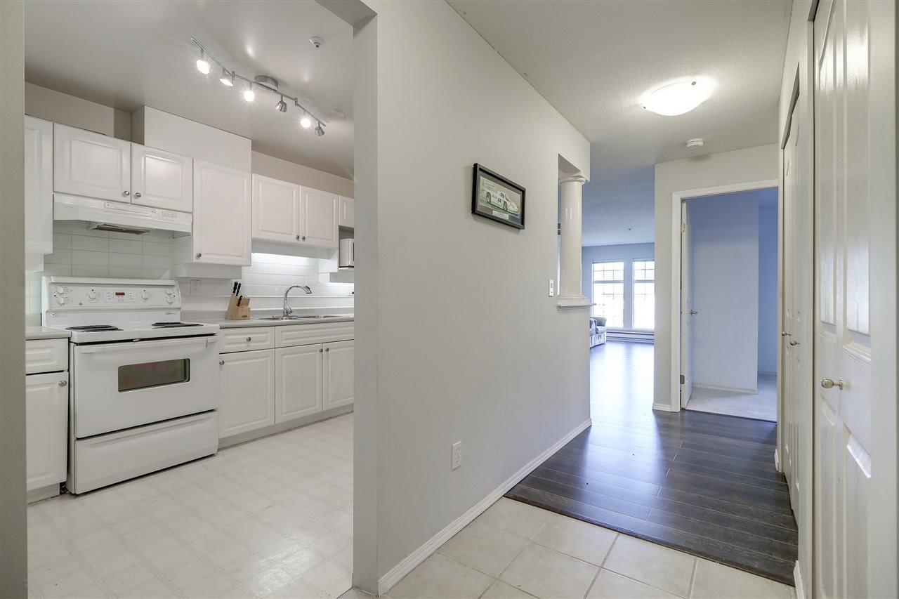 "Photo 2: Photos: 309 1655 GRANT Avenue in Port Coquitlam: Glenwood PQ Condo for sale in ""The Benton"" : MLS®# R2209084"