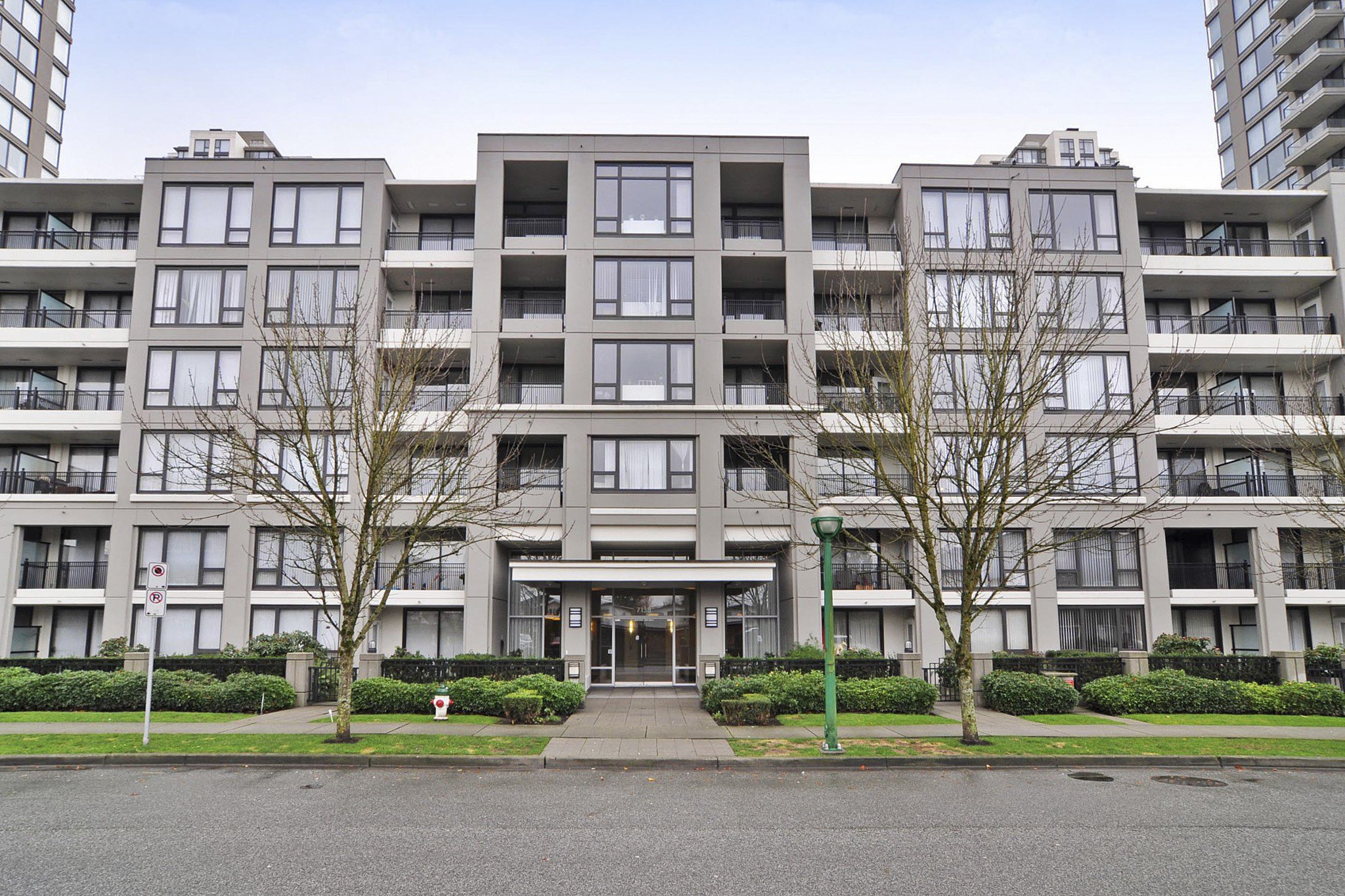 "Photo 1: Photos: 312 7138 COLLIER Street in Burnaby: Highgate Condo for sale in ""STANDFORD HOUSE"" (Burnaby South)  : MLS®# R2224760"