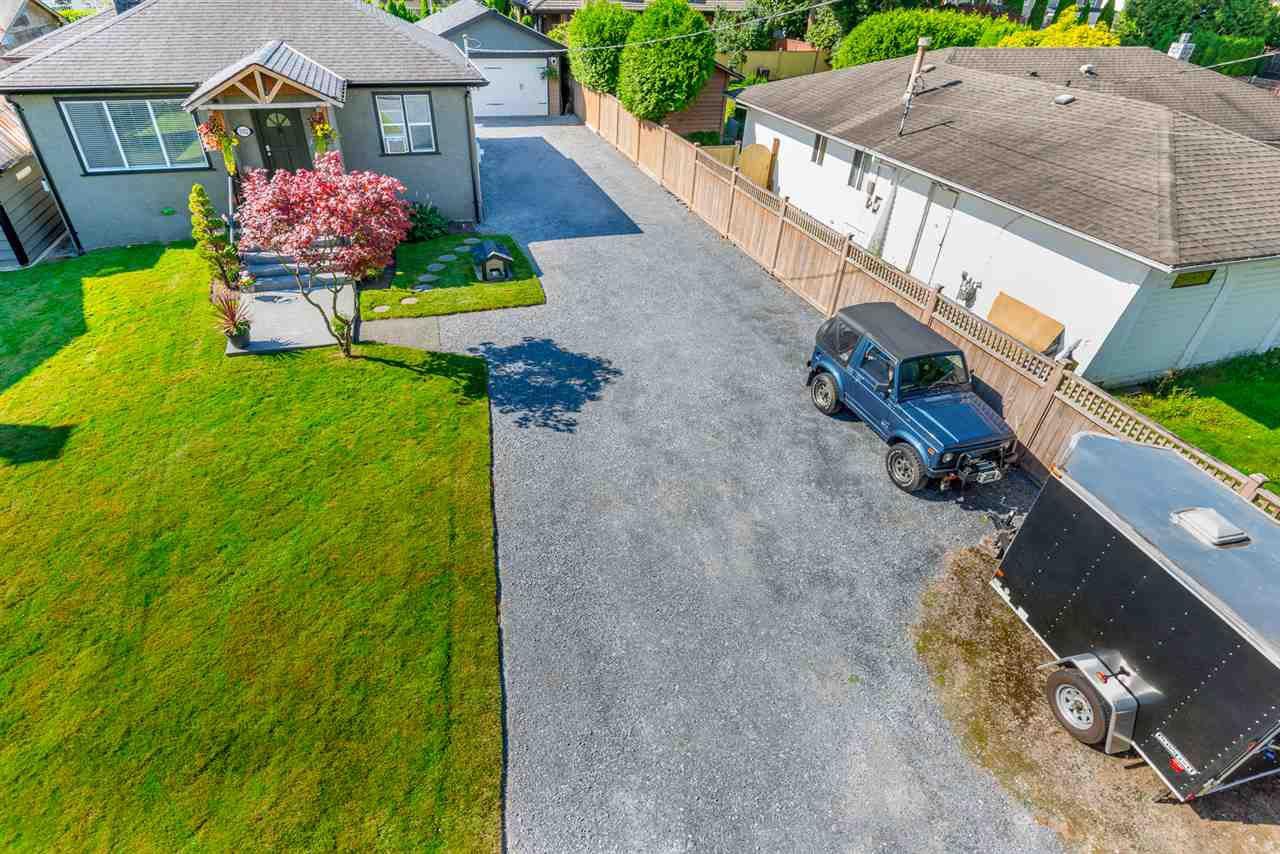 Main Photo: 1052 PRAIRIE AVENUE in : Birchland Manor House for sale : MLS®# R2097700