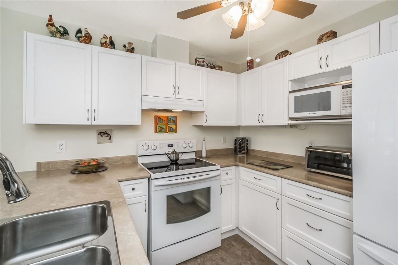 """Photo 8: Photos: 322 1220 LASALLE Place in Coquitlam: Canyon Springs Condo for sale in """"MOUNTAINSIDE PLACE"""" : MLS®# R2245407"""