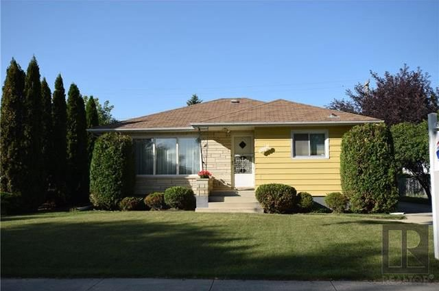 Main Photo: 1 Richardson Avenue in Winnipeg: Garden City Residential for sale (4G)  : MLS®# 1820664