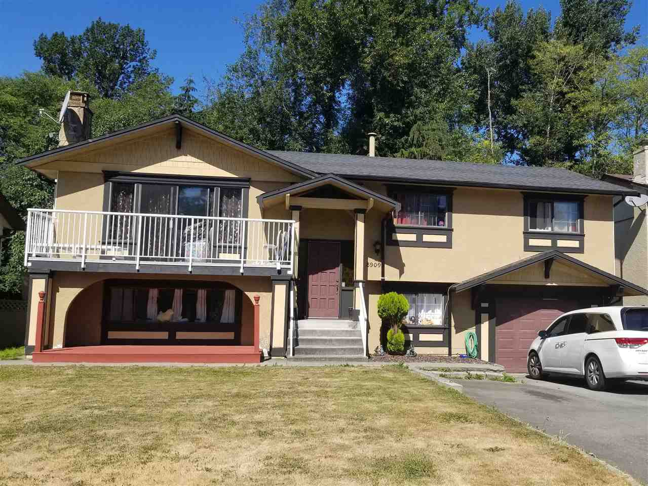 Main Photo: 8909 URSUS Crescent in Surrey: Bear Creek Green Timbers House for sale : MLS®# R2295804