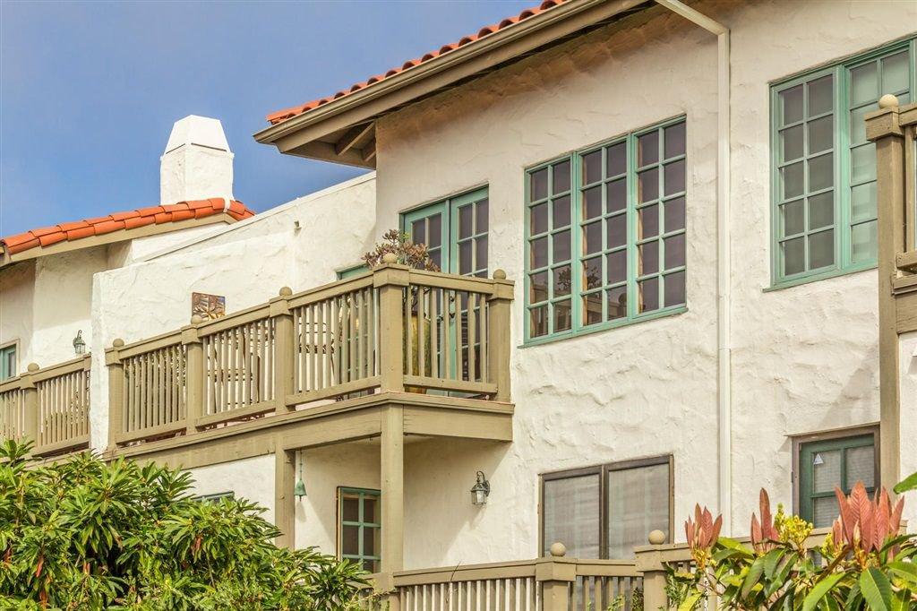 Main Photo: ENCINITAS Townhome for sale : 2 bedrooms : 330 Vista Del Rey in 92024