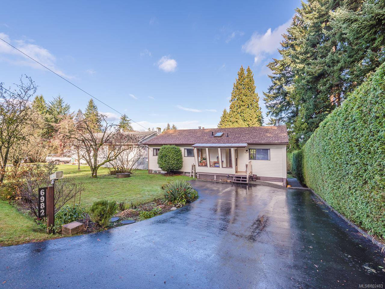 Main Photo: 6982 Dickinson Rd in LANTZVILLE: Na Lower Lantzville House for sale (Nanaimo)  : MLS®# 802483