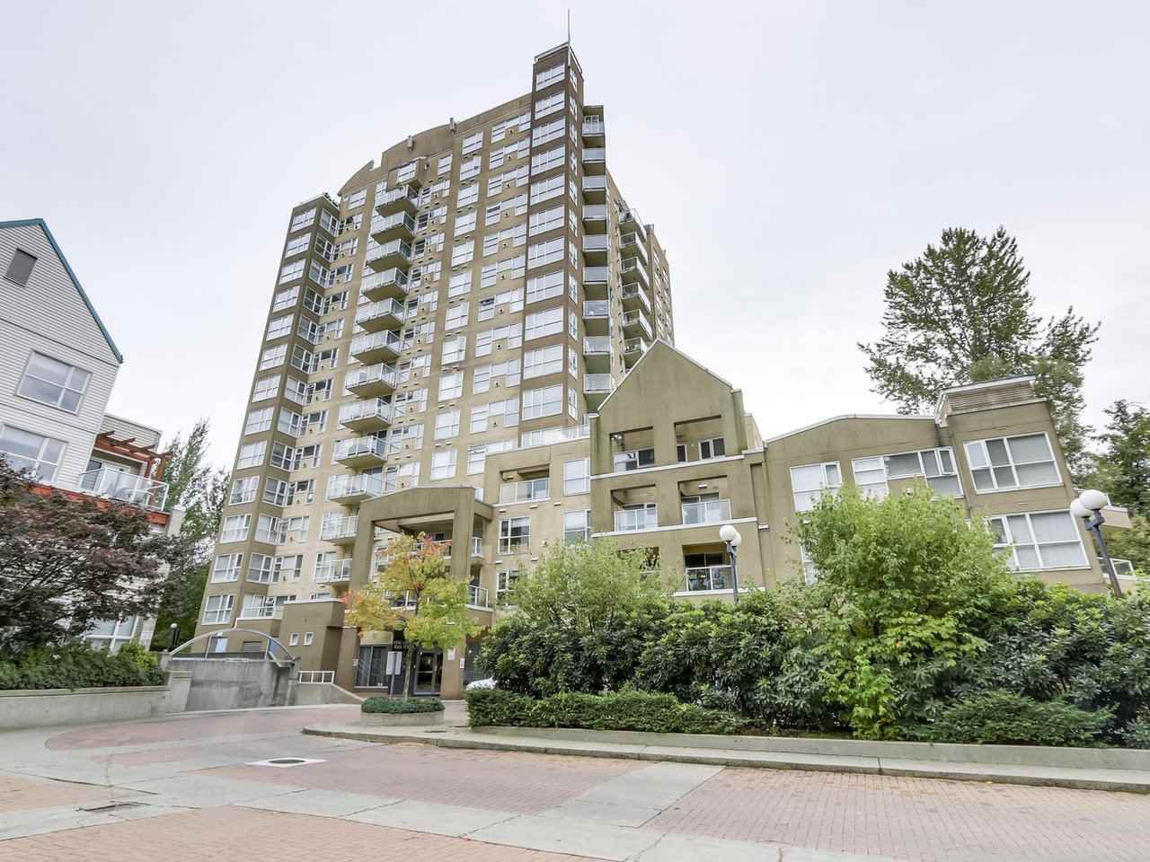 """Photo 3: Photos: 1005 9830 WHALLEY Boulevard in Surrey: Whalley Condo for sale in """"King George Park Tower"""" (North Surrey)  : MLS®# R2332057"""