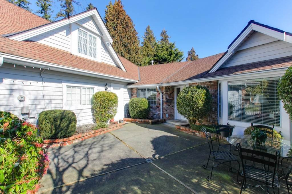 """Main Photo: 772 KINGFISHER Place in Delta: Tsawwassen East House for sale in """"FOREST BY THE BAY"""" (Tsawwassen)  : MLS®# R2344039"""