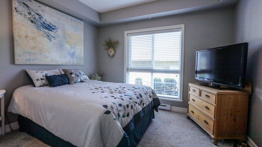 """Photo 15: Photos: B101 33755 7TH Avenue in Mission: Mission BC Condo for sale in """"THE MEWS"""" : MLS®# R2345242"""