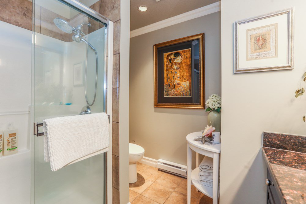"""Photo 13: Photos: B101 33755 7TH Avenue in Mission: Mission BC Condo for sale in """"THE MEWS"""" : MLS®# R2345242"""