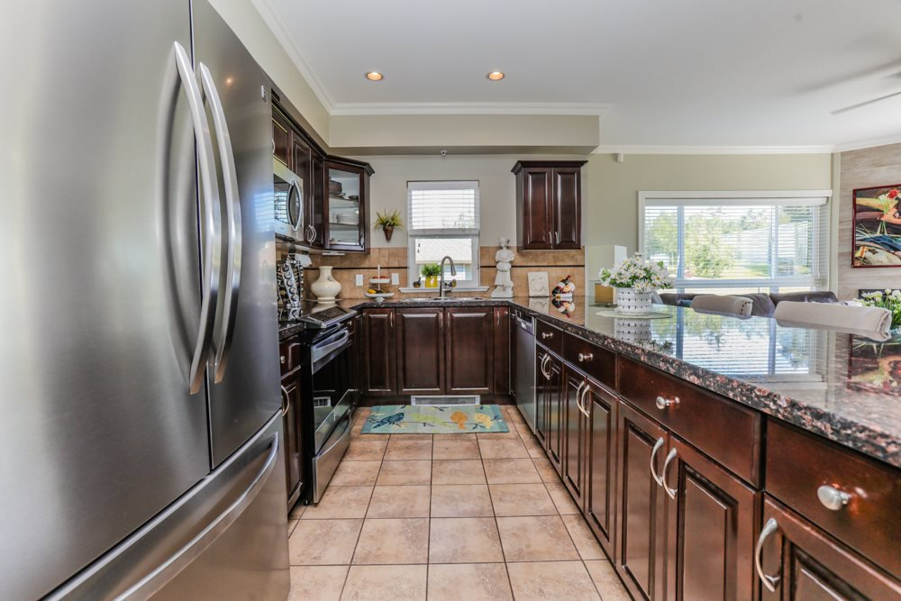 """Photo 5: Photos: B101 33755 7TH Avenue in Mission: Mission BC Condo for sale in """"THE MEWS"""" : MLS®# R2345242"""