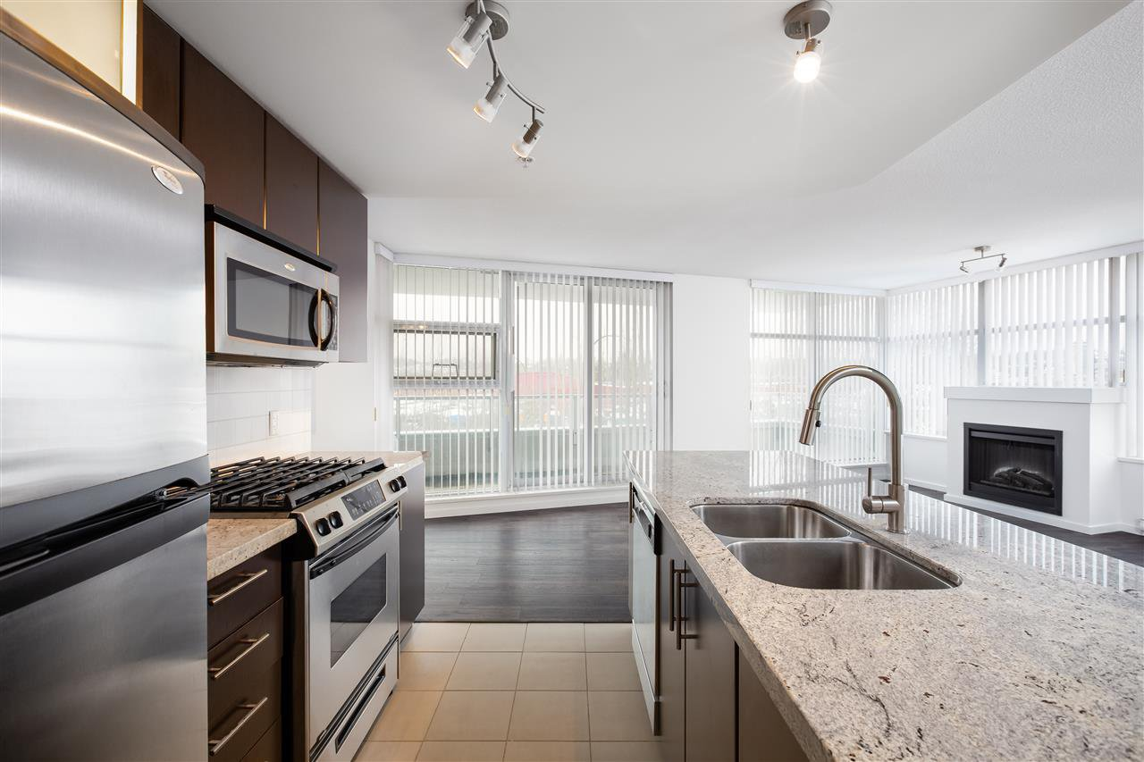 """Photo 9: Photos: 207 2289 YUKON Crescent in Burnaby: Brentwood Park Condo for sale in """"WATERCOLOURS"""" (Burnaby North)  : MLS®# R2352009"""