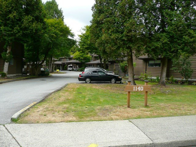 "Main Photo: 24 1140 EAGLERIDGE Drive in Coquitlam: Eagle Ridge CQ Townhouse for sale in ""Eagle Ridge"" : MLS®# R2386010"