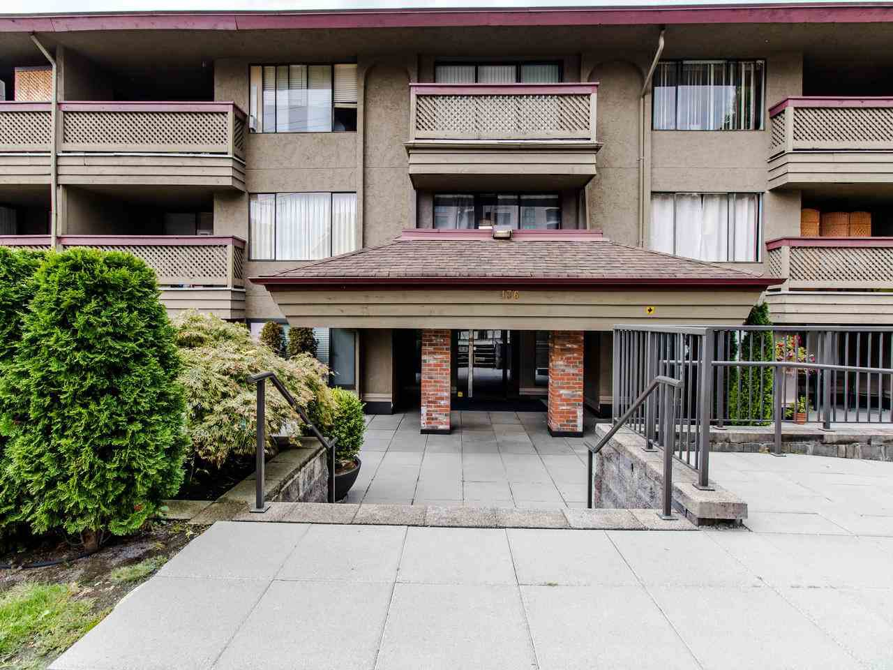 """Main Photo: 314 436 SEVENTH Street in New Westminster: Uptown NW Condo for sale in """"Regency court"""" : MLS®# R2404787"""