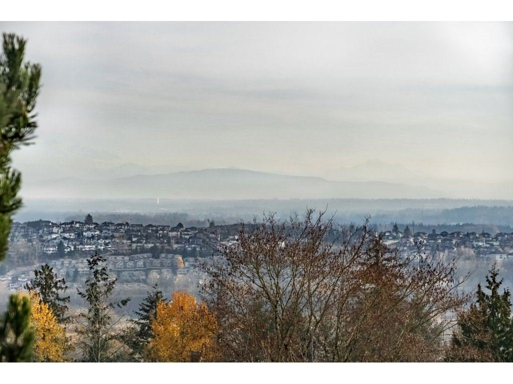 Main Photo: 156 2721 ATLIN PLACE in : Coquitlam East Townhouse for sale : MLS®# R2324465