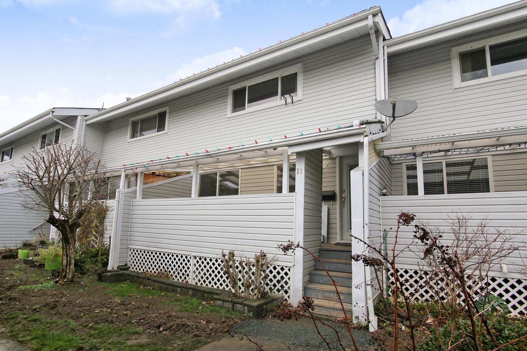 Main Photo: 21 45215 WOLFE Road in Chilliwack: Chilliwack W Young-Well Townhouse for sale : MLS®# R2421121
