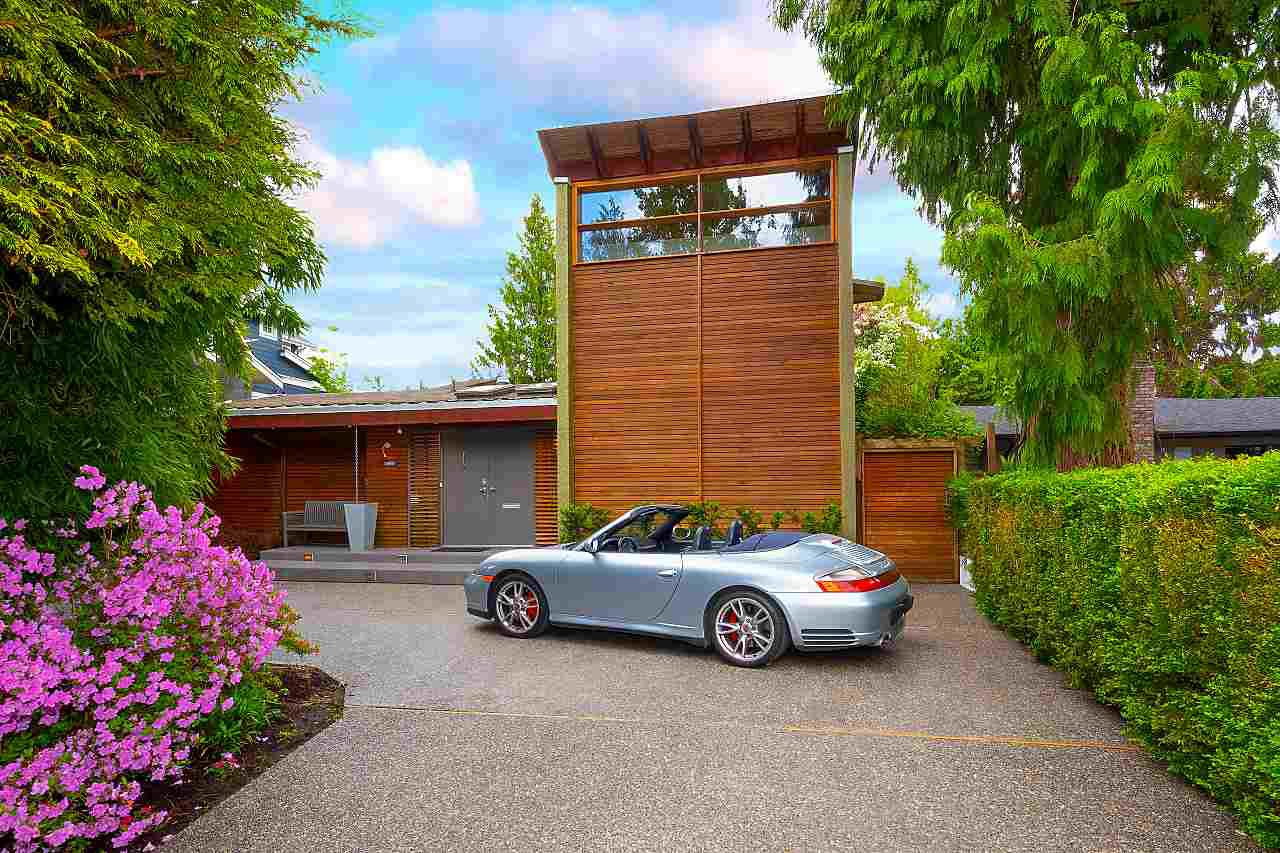 Main Photo: 3888 W 50TH Avenue in Vancouver: Southlands House for sale (Vancouver West)  : MLS®# R2460449
