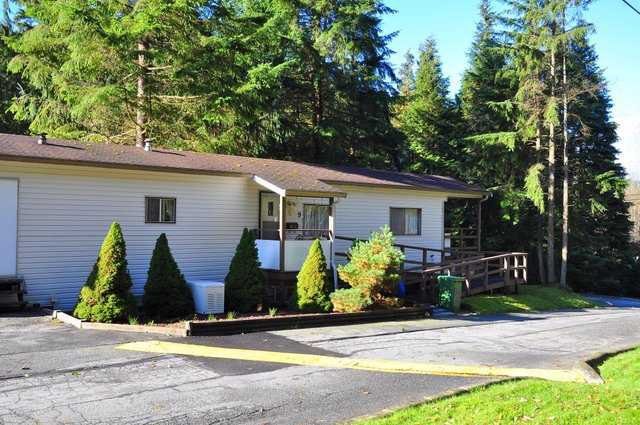 "Main Photo: 9 3295 SUNNYSIDE Point: Anmore Manufactured Home for sale in ""COUNTRYSIDE VILLAGE"" (Port Moody)  : MLS®# V919647"