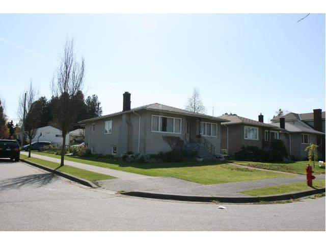 Main Photo: 888 E 40th Avenue in Vancouver: Fraser VE House for sale (Vancouver East)  : MLS®# V822315