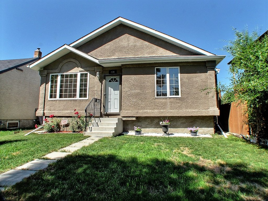 Main Photo: 270 Queen Street in Winnipeg: St James Residential for sale (Winnipeg area)  : MLS®# 1315168