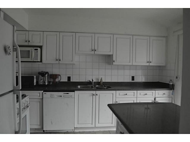 Photo 6: Photos: 3878 BOND Street in Burnaby: Central Park BS House for sale (Burnaby South)  : MLS®# V1114181