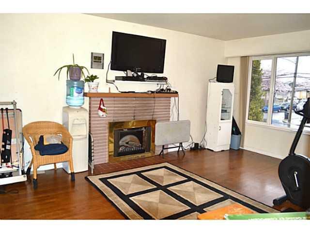 Photo 2: Photos: 3878 BOND Street in Burnaby: Central Park BS House for sale (Burnaby South)  : MLS®# V1114181