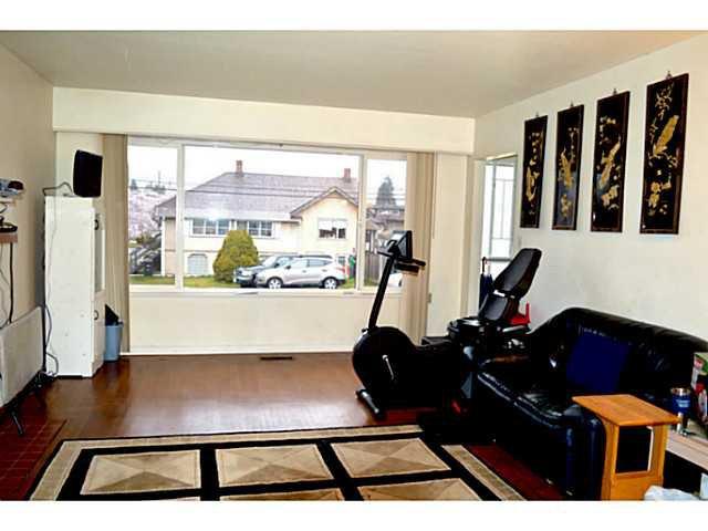 Photo 3: Photos: 3878 BOND Street in Burnaby: Central Park BS House for sale (Burnaby South)  : MLS®# V1114181