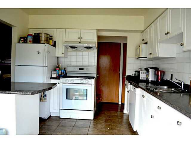 Photo 7: Photos: 3878 BOND Street in Burnaby: Central Park BS House for sale (Burnaby South)  : MLS®# V1114181