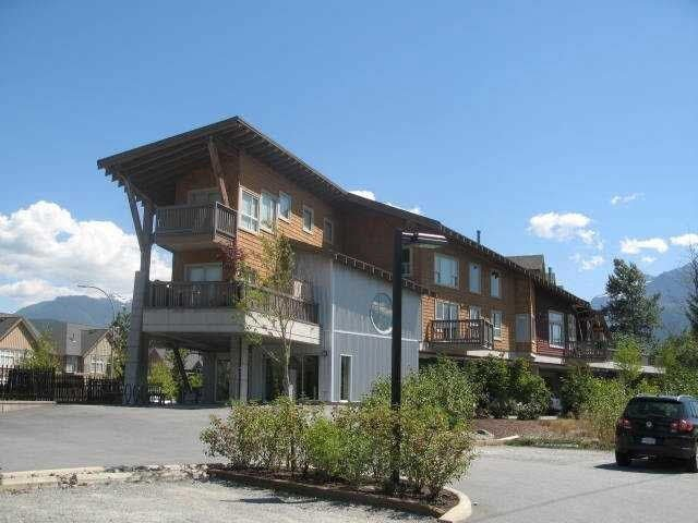 """Photo 3: Photos: 8 40775 TANTALUS Road in Squamish: Tantalus Townhouse for sale in """"THE ALPENLOFTS"""" : MLS®# V1137350"""